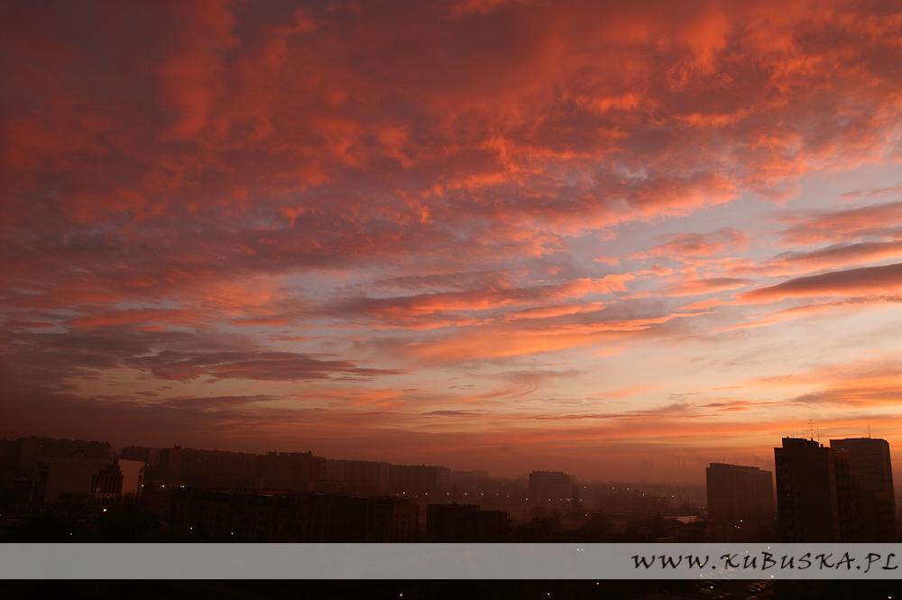 Wschód słońca nad Nową Hutą, fot. Konrad Kubuśka